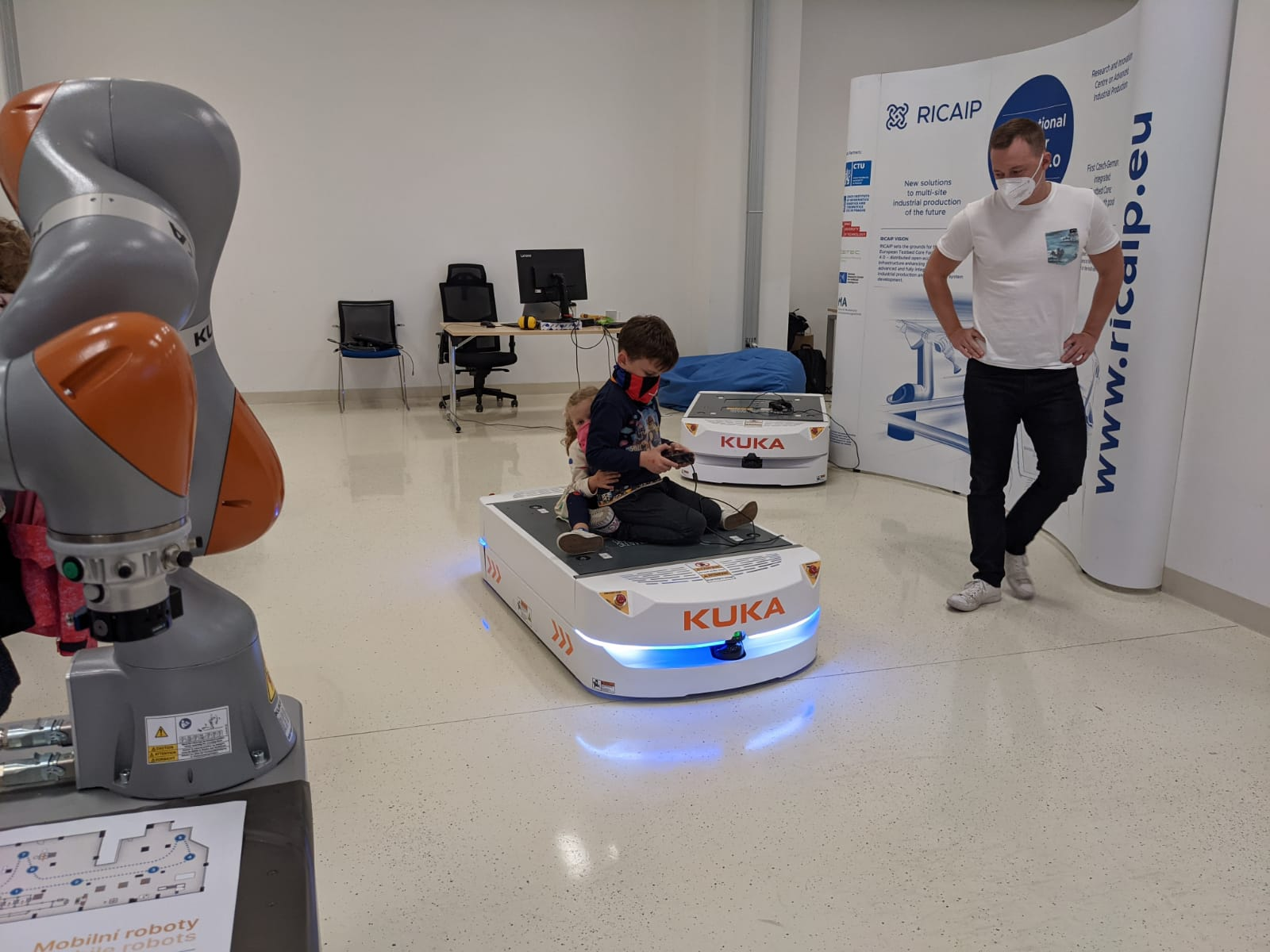9. <strong>Mobile Robots</strong>